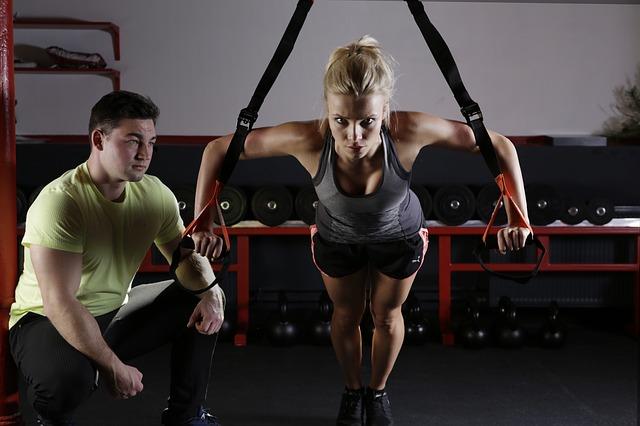 gymnastika s trenérem